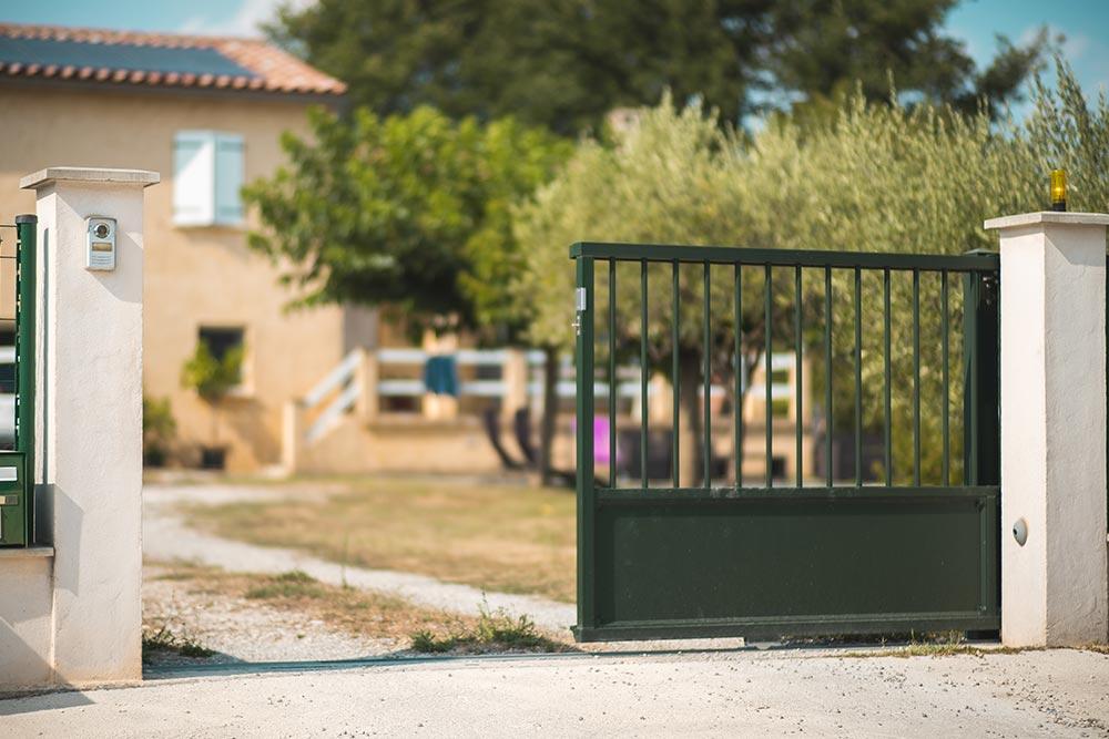 portail coulissant - Alès