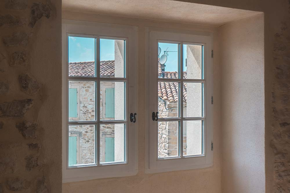 Fenêtre en bois à petits bois double vitrages - Alès
